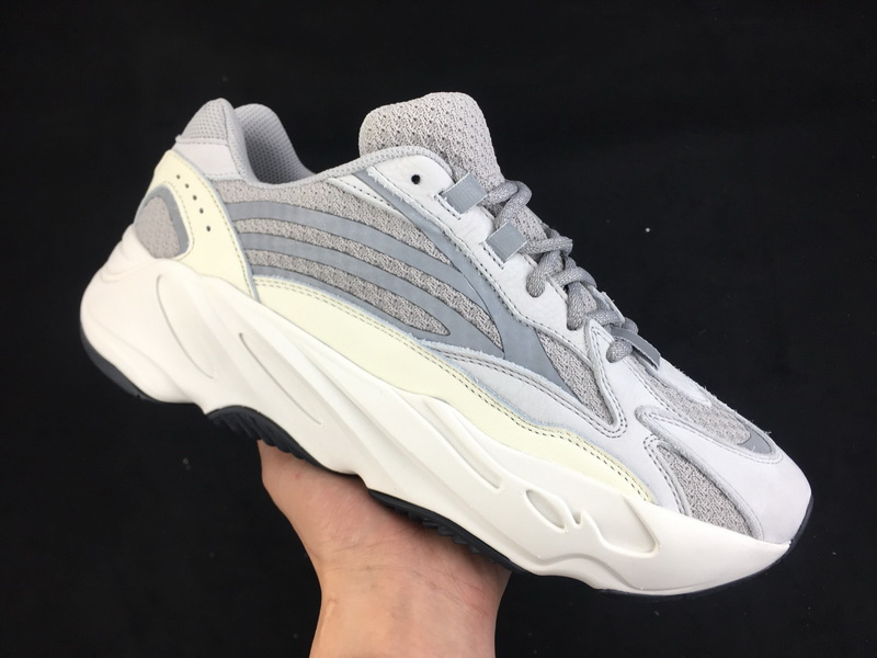 Authentic Adidas Yeezy 700v2 Boost static
