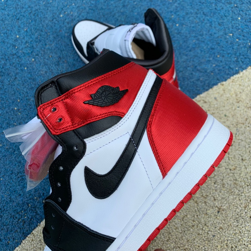"Authentic Air Jordan 1 Satin WMNS ""Black Toe"""